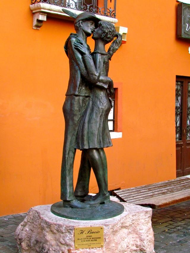 Il bacio ~ The kiss