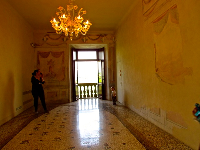 Next door next to the wine tastings, I stumbled across a beautiful room with frescoes from the 12th century.